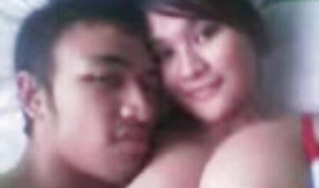 Una mamma affamata sta video prostitute amatoriali avendo un'orgia con sesso di gruppo