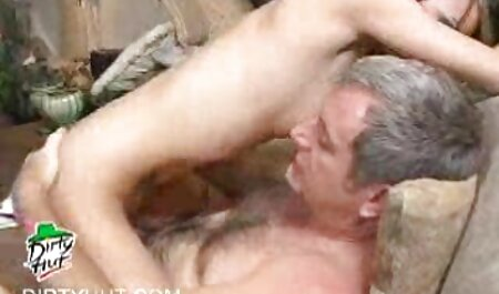 Jenny si video amatoriali fatti in casa gratis masturba e scopa