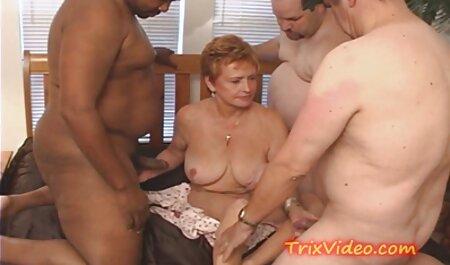 Zu film porno gratis amatoriale Bos era soddisfatto con il segretario dando lui nel culo