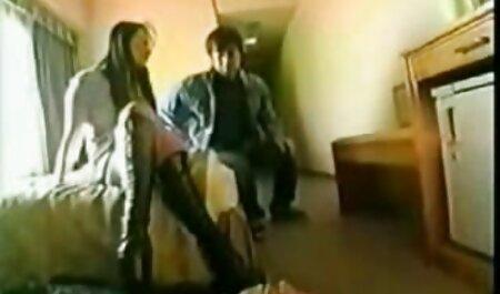 Uomo filmati amatoriali gratuiti scopa fisioterapista dietro la schiena della donna
