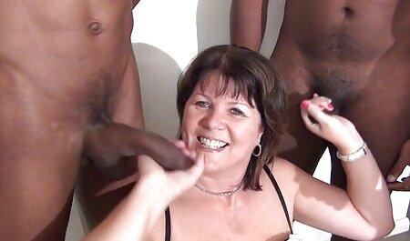 I servi e la video amatoriali erotici padrona nella cabina doccia
