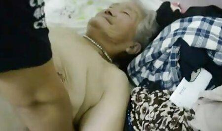 Brunetta usi enorme video amatoriali pormo dildo a cum